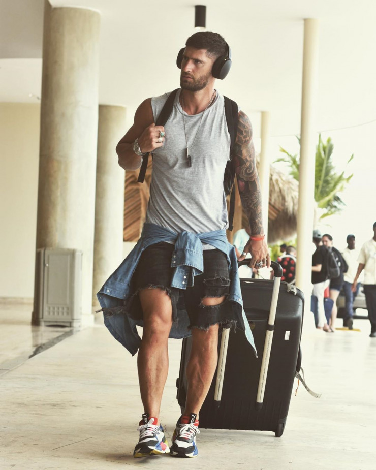 Men's Vector | vasaros deriniai pagal Valentín Benet