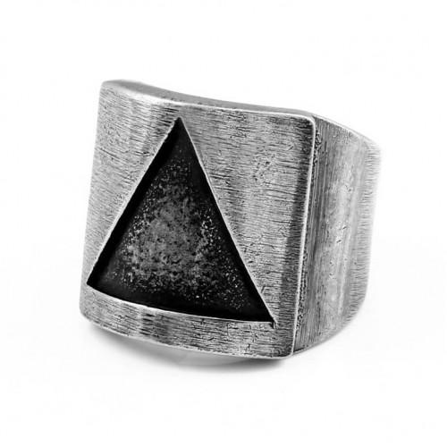 Didelis žiedas vyrui su išgraviruotu trikampiu