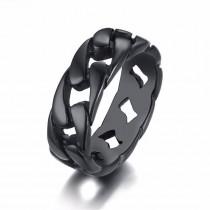 Juodas vyriškas žiedas su skylutėmis